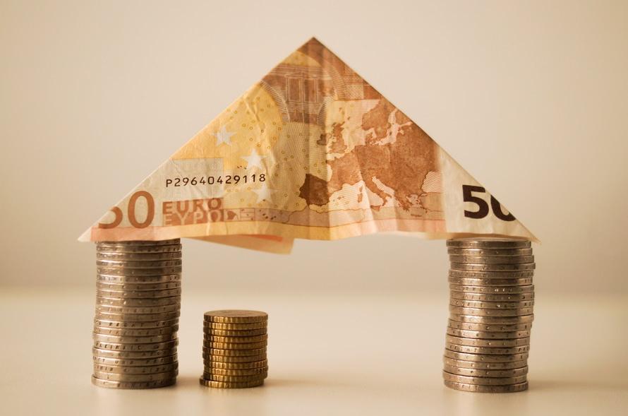 Aj peniaze patria k bohatstvu. Môžete si za ne plniť Vaše sny. Peniaze sú len nástroj!